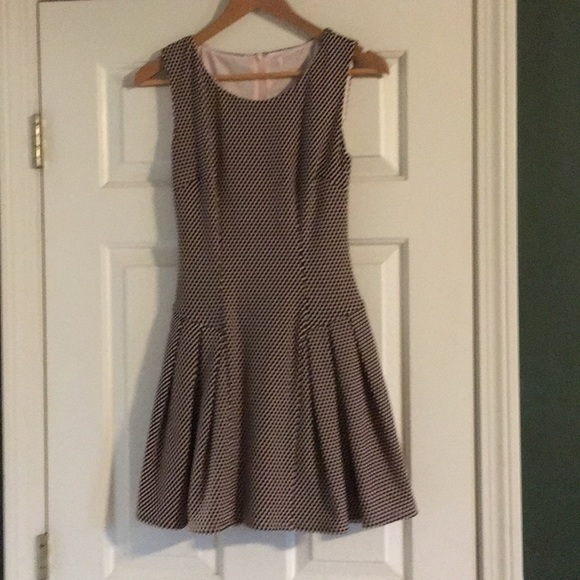 Dress Barn Dresses & Skirts - Brown and peach polkadot dress